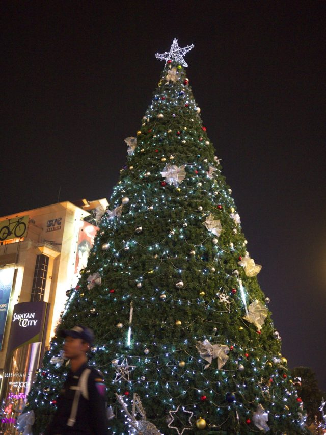 christmas_tree_senayan_city